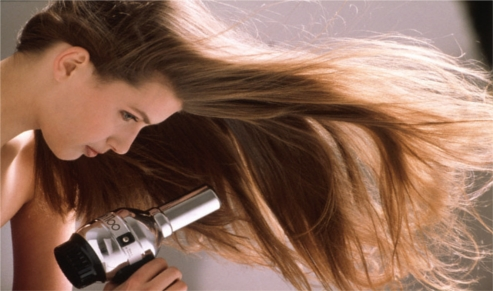 HAIR-DRYER-1. Bagi wanita yang memiliki rambut tipis 76ba770265